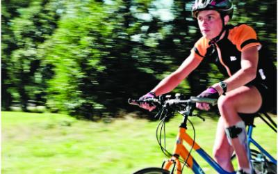 Help Marieke van Soest op weg naar het WK tribiken…